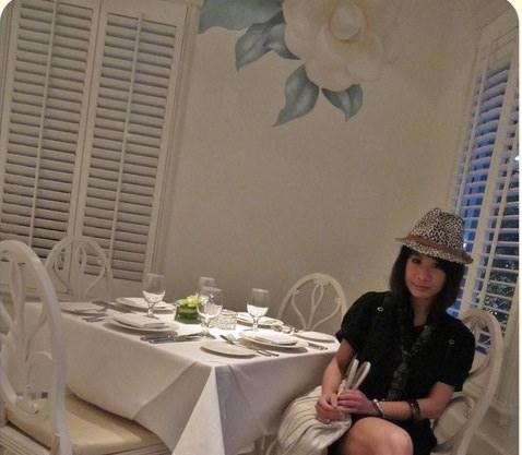 《美食*台北大同區》GALERIE Bistro。輕古典純白洋房花園,捷運中山站
