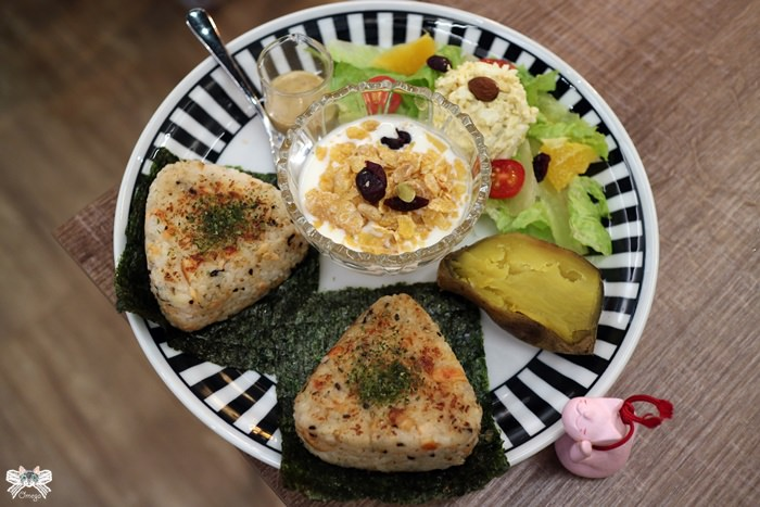temp 日式鮭魚飯糰