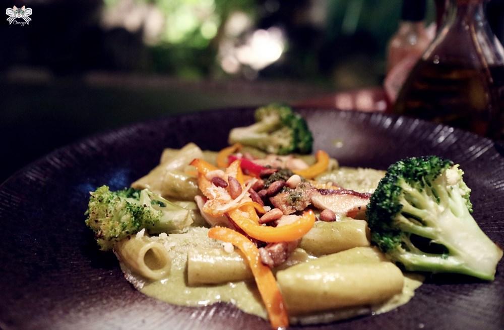 《台北貓咪餐廳》我的義大利麵PASTA MIO |小巨蛋美食,歐式鄉村風情有店貓