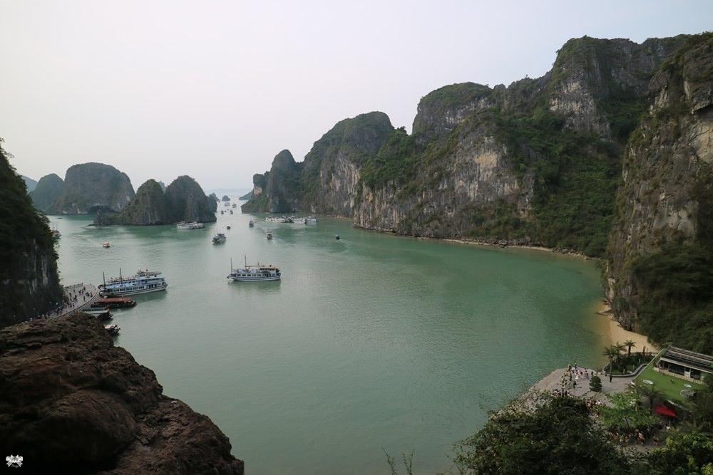 《越南下龍灣》下龍灣驚奇洞|鐘乳石洞 特色溶洞