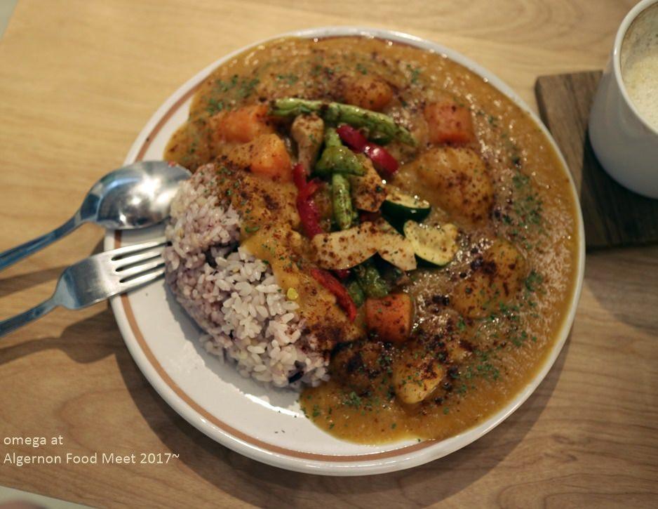 《美食*台中西區》鬍丘。對食物友善的無奶蛋蔬食料理,寵物也歡迎